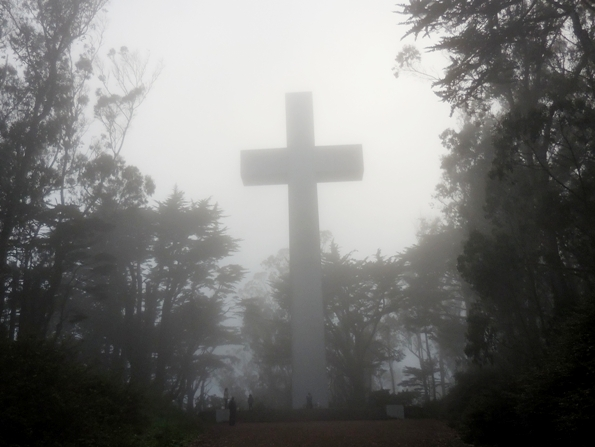 Mt Davidson Cross in the fog - aug 2014
