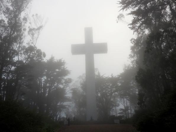 Mt Davidson Cross in the fog - aug 2014